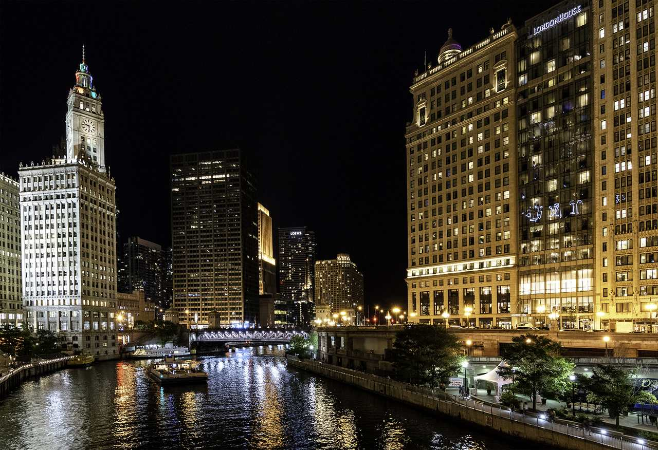 the skyscrapers of Chicago, Illinois, USA