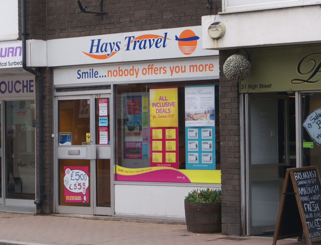 You are currently viewing Hays Travel buys all 555 Thomas Cook shops