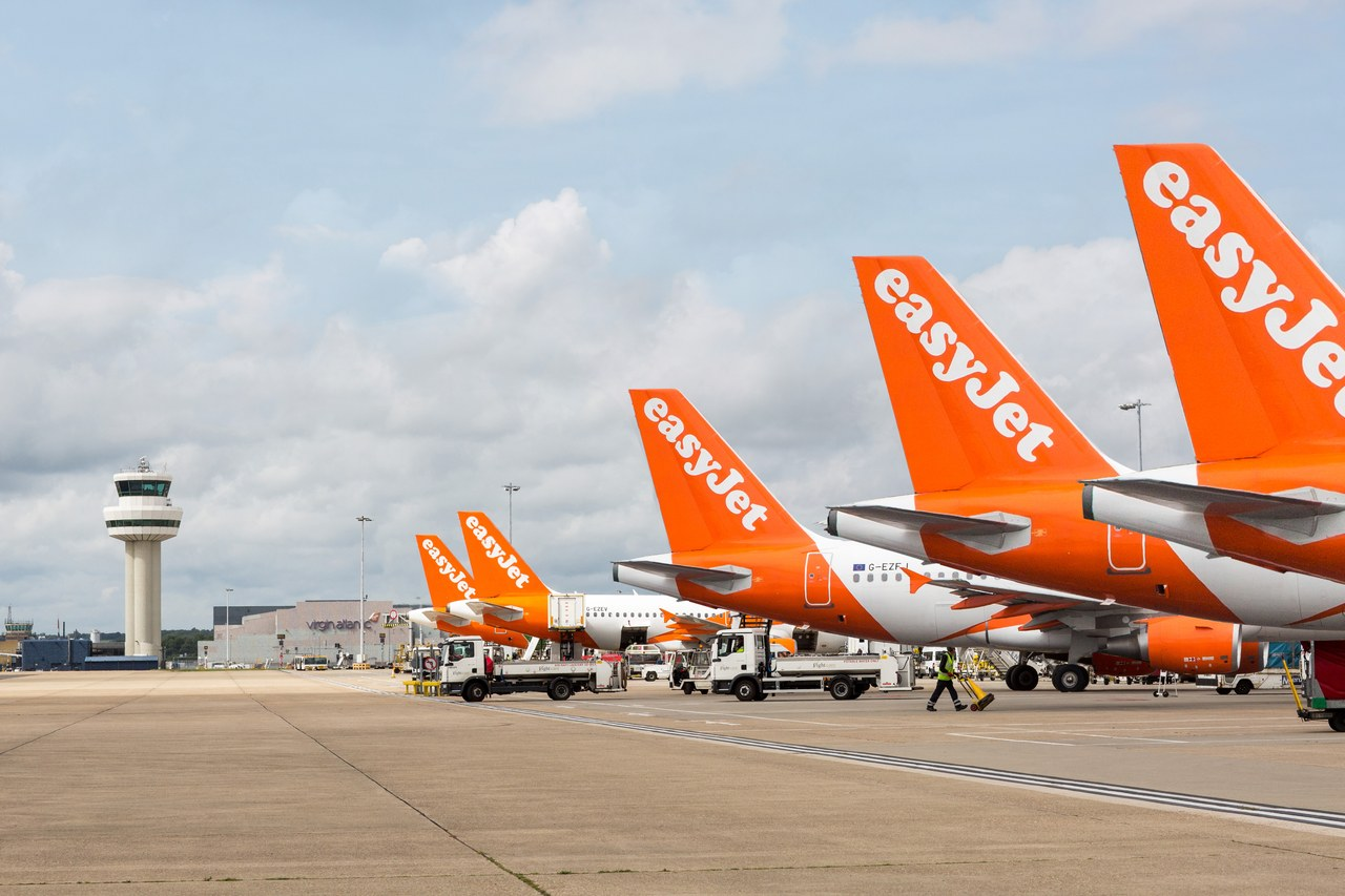 You are currently viewing Travellers urged to return home as flights are being axed