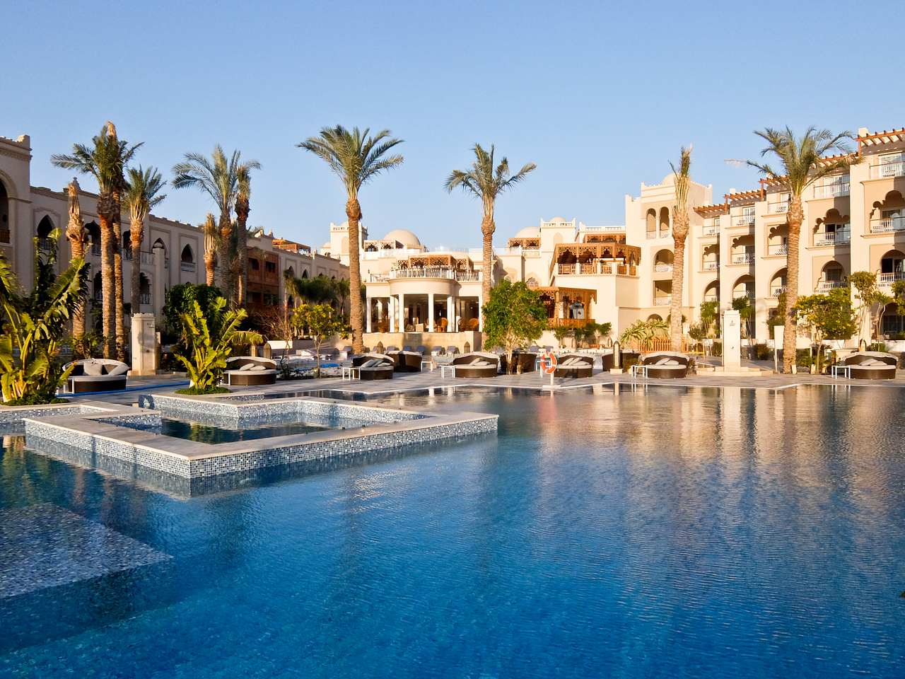 You are currently viewing Hotel Review: Grand Palace, Hurghada, Egypt