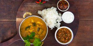 Flatdogs chicken mango curry – Travel Africa Magazine