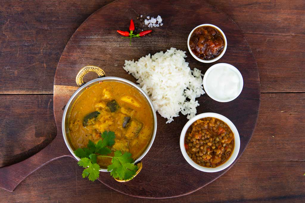 You are currently viewing Flatdogs chicken mango curry – Travel Africa Magazine