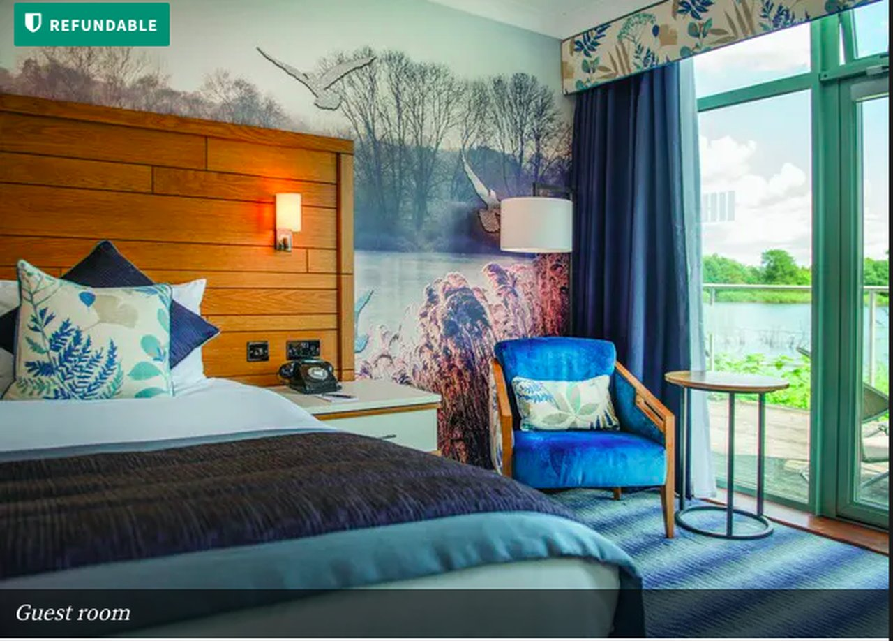 You are currently viewing Leisurely Cotswolds stay at a modern lakeside retreat