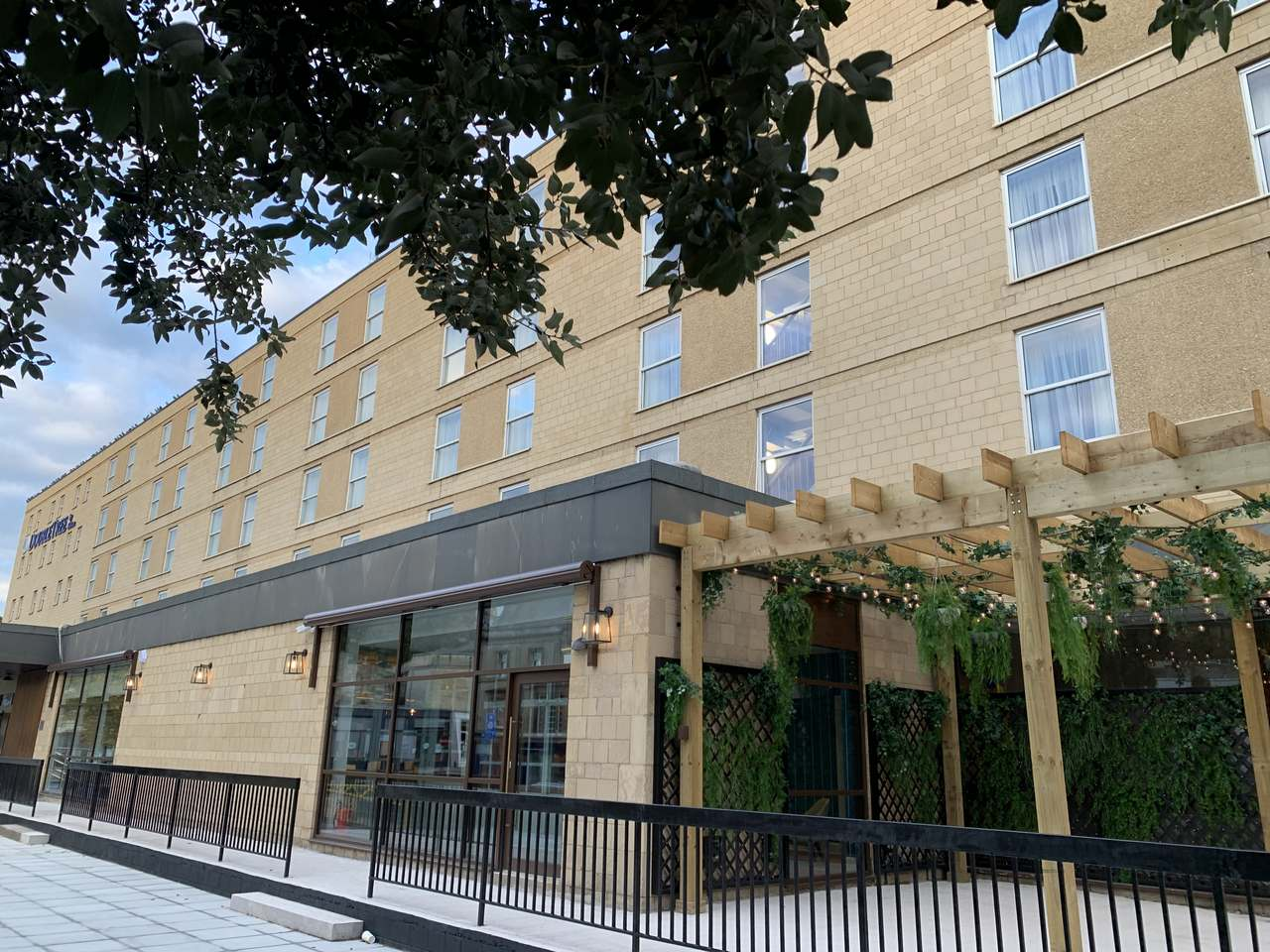 You are currently viewing Hotel Review: Doubletree Hilton, Bath