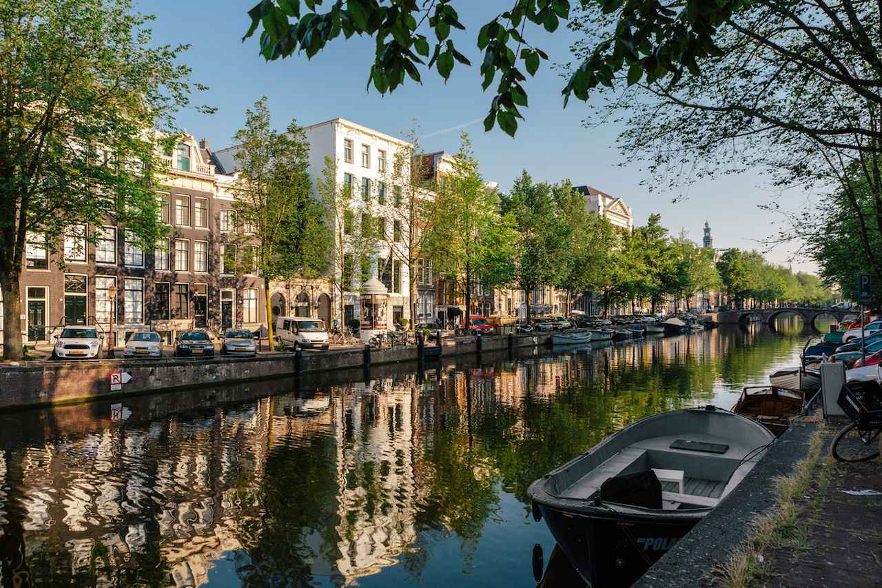 Tourists to be banned from Amsterdam's cannabis coffee shops