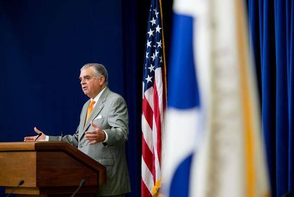 American secretary of transport Ray LaHood steps down